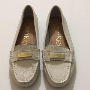 Calvin Klein women's Sz 7.5 leather loafers